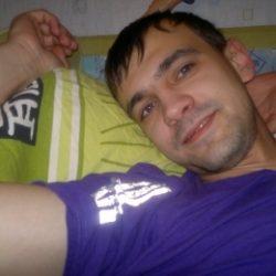 Парень ищет девушку/женщину в Новокузнецке, которая поможет стать мужчиной. Хочу, что бы научила всему.