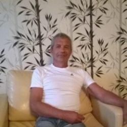 Парень из Новокузнецка, ищу девушку для секса. Люблю делать куни.в разных позах и очень долго