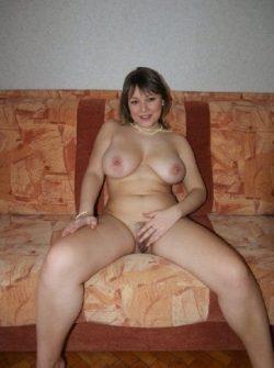 Познакомлюсь с парнем в Новокузнецке для секс встреч. Я стройная сексапильная с сочными формами девушка.